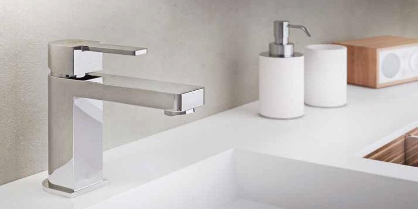 miscelatore lavabo quadrato